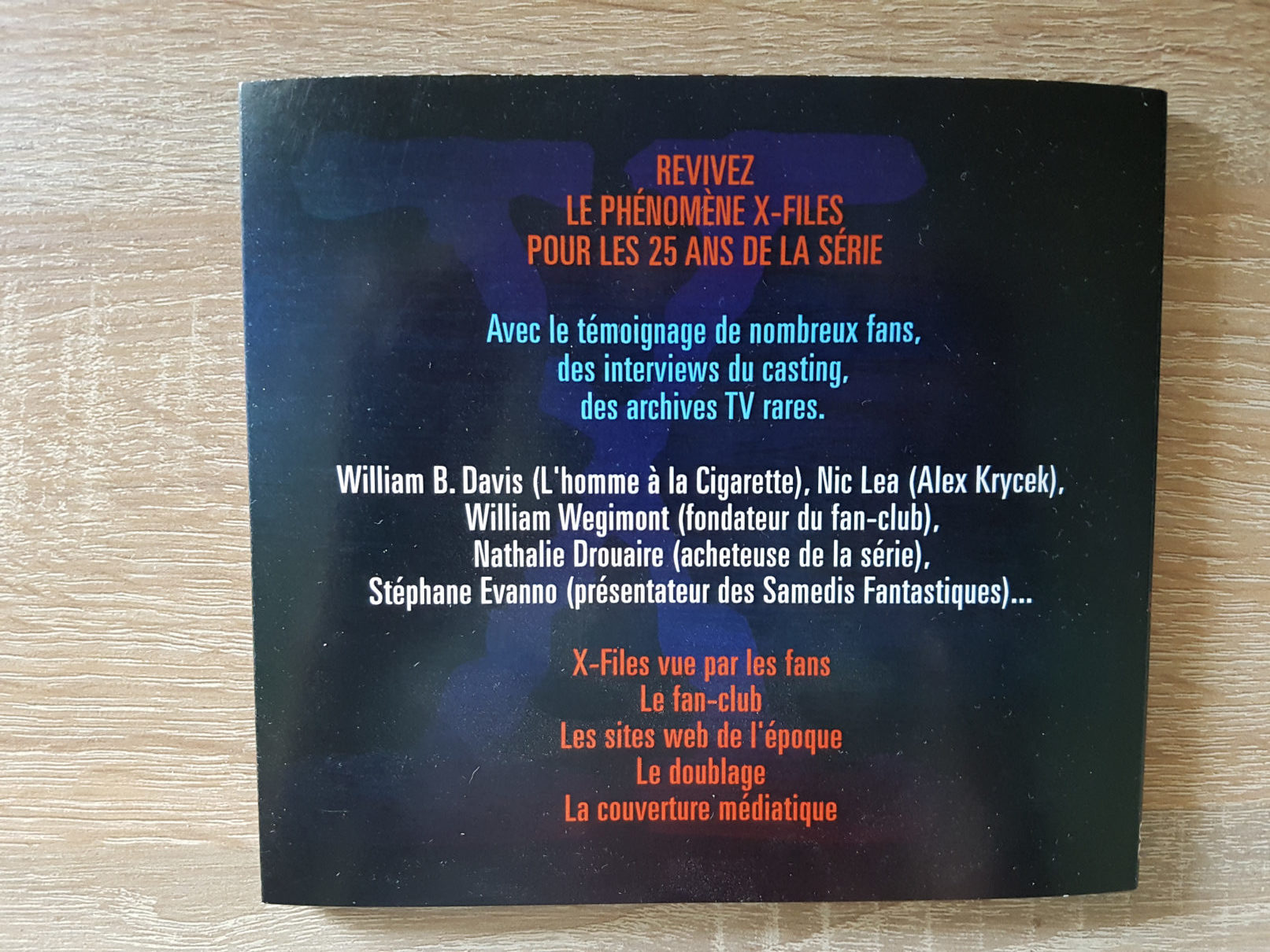 x-files - Détails du DVD X-Philes, Ils Voulaient Croire, premier documentaire Smallthings xphiles dvd documentaire 1 rotated e1588854880798